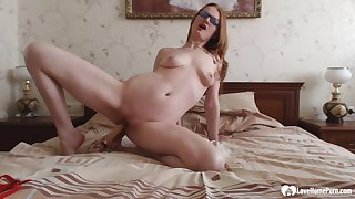 Horny stepmom in fishnets puts on a solo