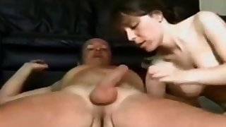 Amateur girl gets fucked on homemade sex tape