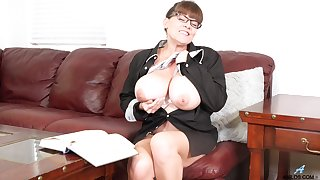 Ample breasted adult woman Rebecca Love is playing with herself