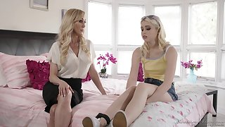 Brandi Love turns on Chloe Cherry and they have passionate sex