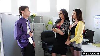 Sexy bootyful ladies Dana DeArmond and Ariella Ferrera love riding cock