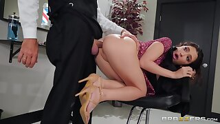 Small-sized bimbo takes an old prick up her tight asshole