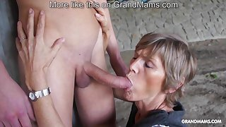 Horny old cougar tapes thither her young toyboy and sucks him off