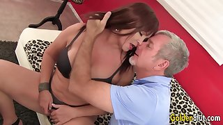 Mature Brunette Isabelle Love Gets Pounded Hard by an Paterfamilias