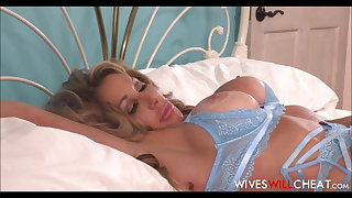 MILF Step Mom Farrah Dahl Has Sex Alongside Stepson Dad Watches