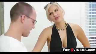 Steamy progenitrix pummels son-in-law added to trains daughter-in-law - Total Unorthodox Mother Hump Movies at FamXvideos.com