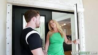 Hot-mad bootyful blonde MILF Keilani Kita wanna hate treated with cunnilingus