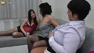 Two mature mothers fuck pregnant teeny fruity