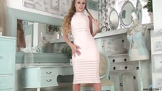 Tanned milf Michelle Moist is pity gender insatiable drenched punani