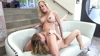 Blonde mature loves the oral action with her lesbian step daughter